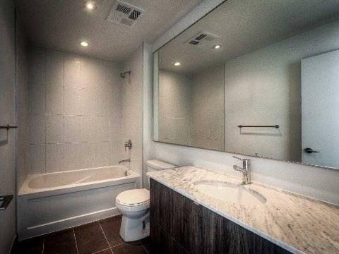 Apartment for rent at 170 Fort York Blvd Unit 2401 Toronto Ontario - MLS: C4728398