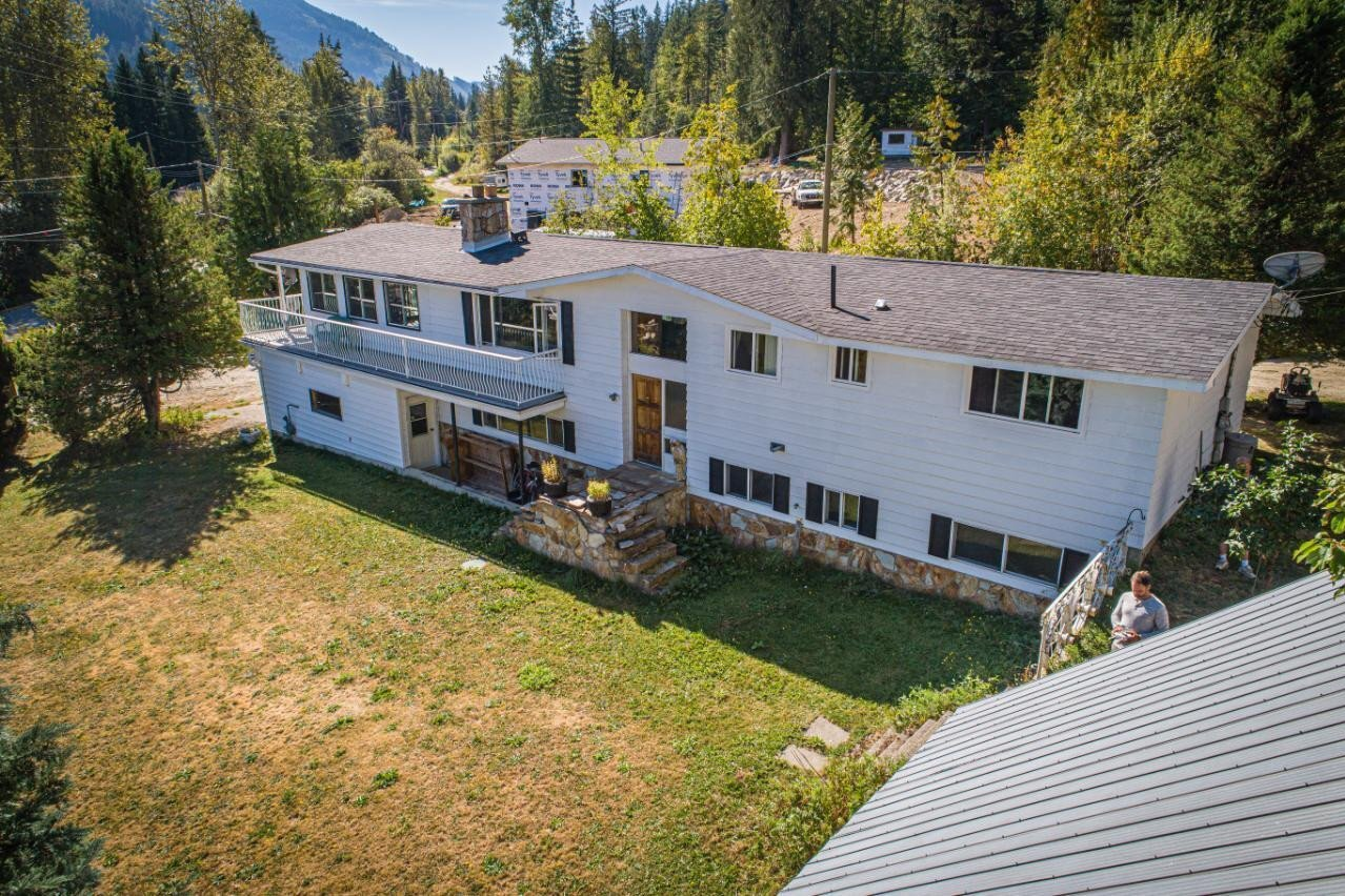 House for sale at 2402 Silver King Rd Nelson British Columbia - MLS: 2454187