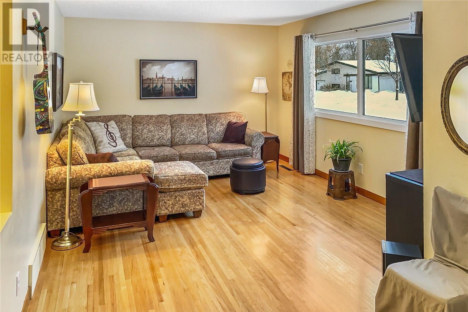 House for sale at 2405 Albert Ave Saskatoon Saskatchewan - MLS: SK834146