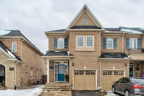 Townhouse for sale at 2405 Whistling Springs Cres Oakville Ontario - MLS: W4636367