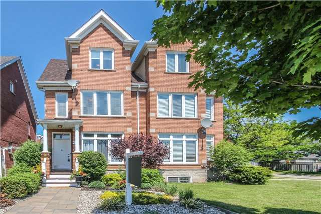 For Sale: 2407 Sixth Line, Oakville, ON | 3 Bed, 3 Bath Townhouse for $725,000. See 20 photos!