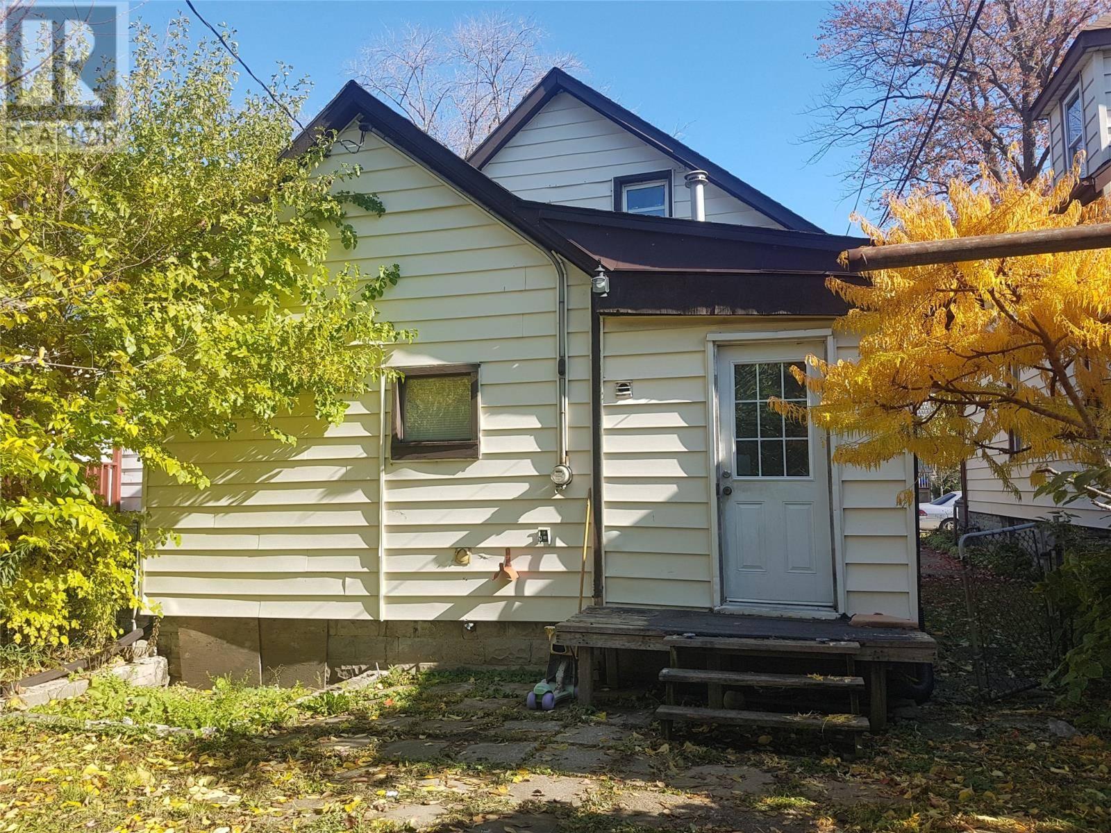 241 Curry Avenue, Windsor | Image 2