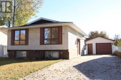 House for sale at 241 Tremaine Ave Regina Saskatchewan - MLS: SK750894