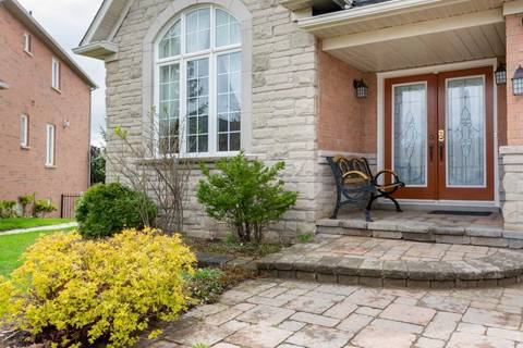 House for sale at 2410 Sandstone Dr Oakville Ontario - MLS: W4514868