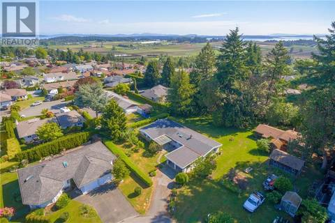 House for sale at 2410 Styan Rd Victoria British Columbia - MLS: 411188
