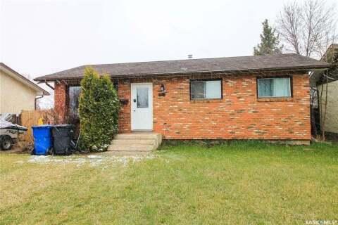 House for sale at 2411 Ross Cres North Battleford Saskatchewan - MLS: SK805999