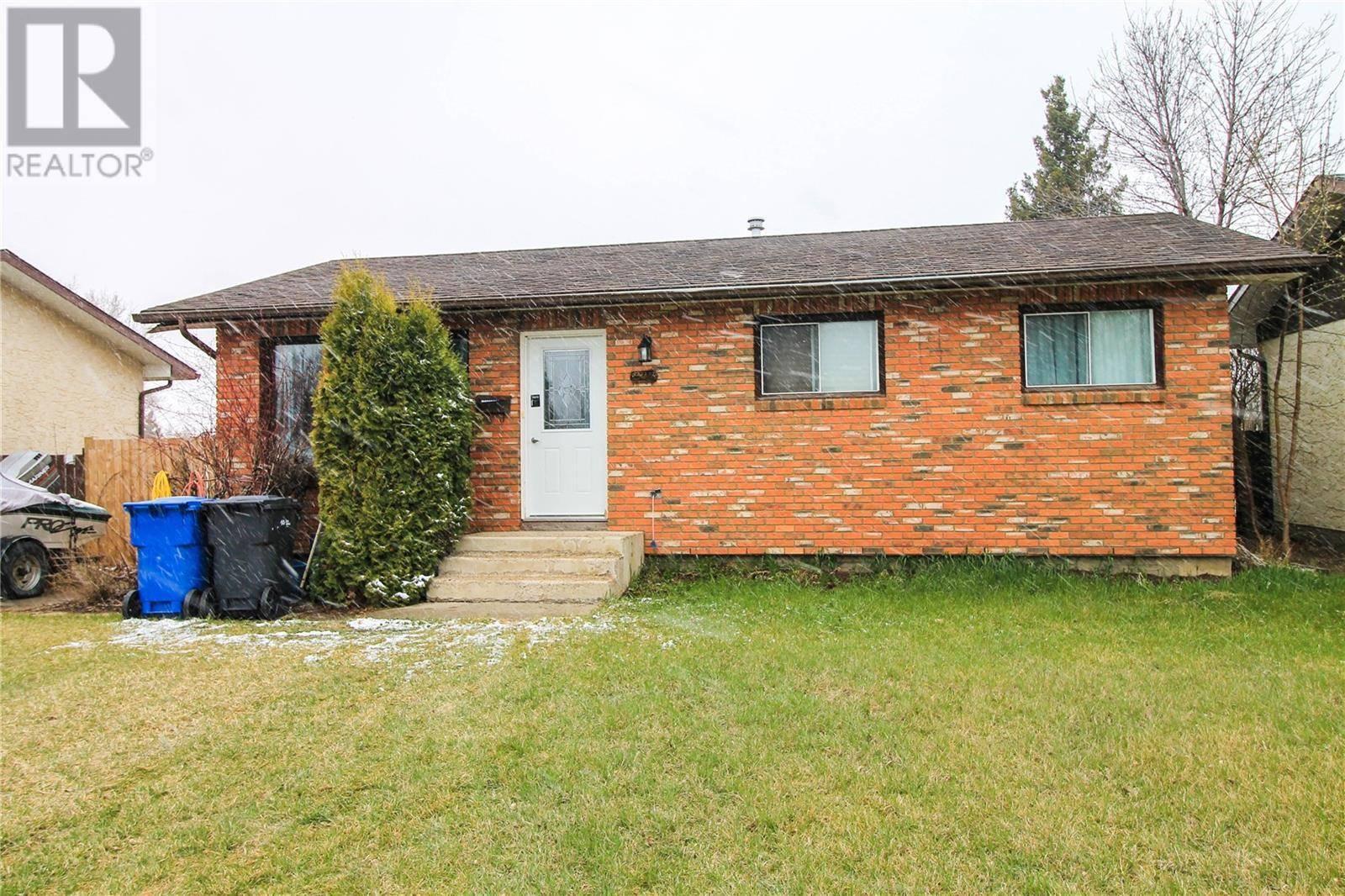 House for sale at 2411 Ross Cres North Battleford Saskatchewan - MLS: SK768766