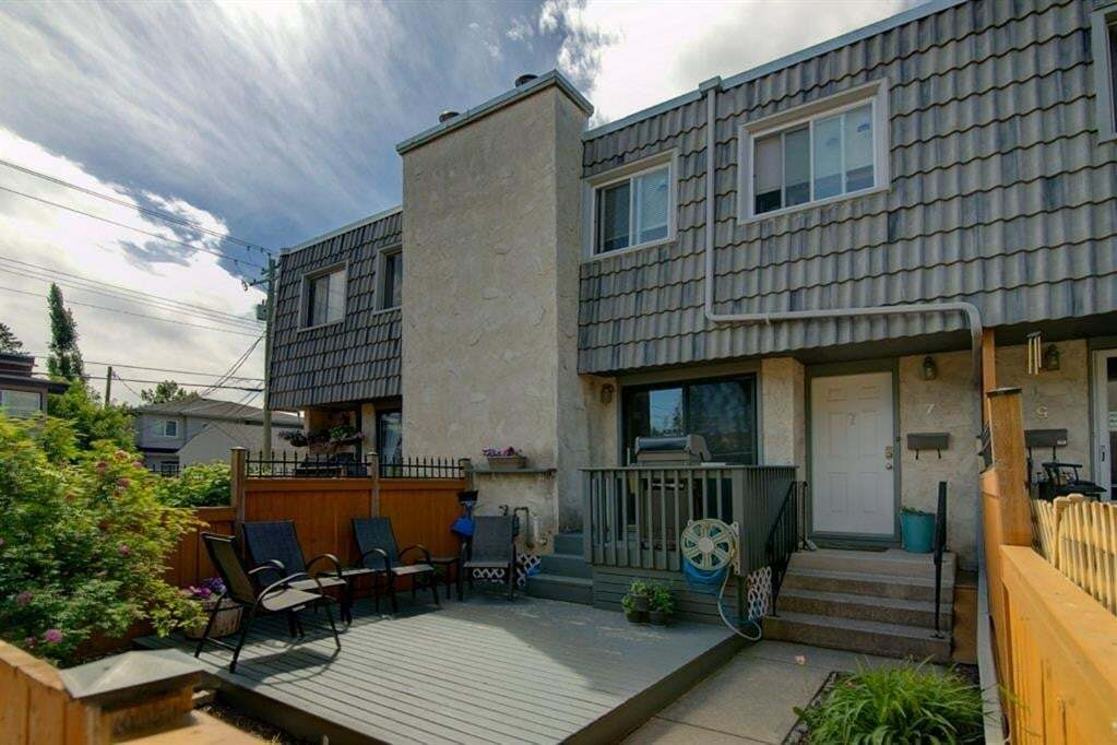 Townhouse for sale at 2412 30 St Southwest Calgary Alberta - MLS: A1009362