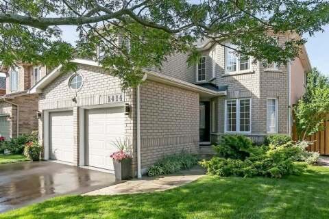 House for sale at 2414 Gladstone Ave Oakville Ontario - MLS: W4817633