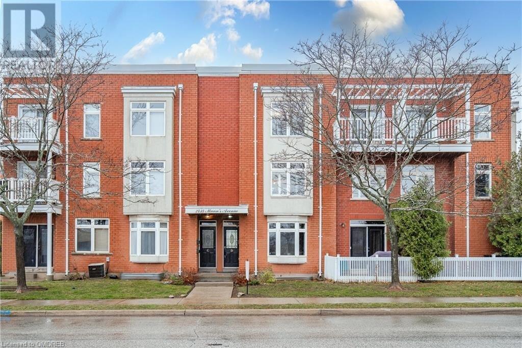 Townhouse for sale at 2414 Munn's Ave Oakville Ontario - MLS: 40048260