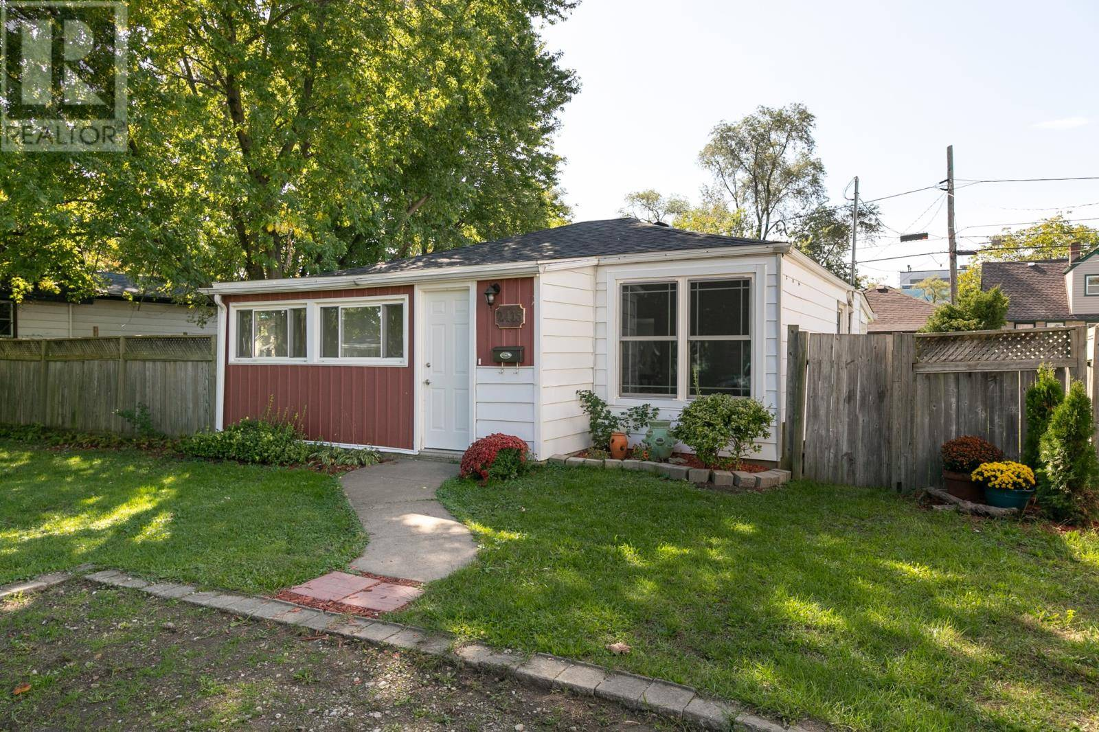 House for sale at 2415 Alexis Rd Windsor Ontario - MLS: 19026958