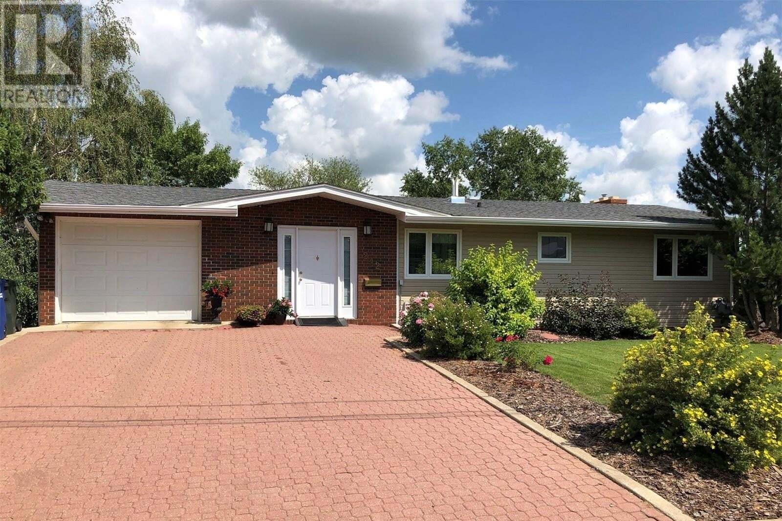 House for sale at 242 34th St Battleford Saskatchewan - MLS: SK819273