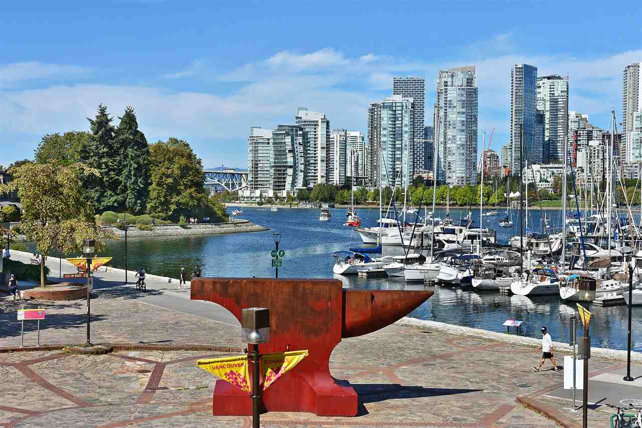 Removed: 242 - 658 Leg In Boot Square, Vancouver, BC - Removed on 2019-09-27 08:30:08