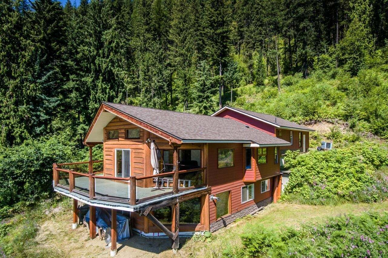 House for sale at 242 9th Street  Kaslo British Columbia - MLS: 2453609