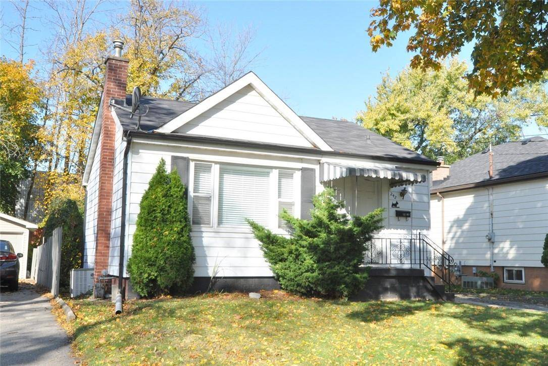 House for sale at 242 43rd St East Hamilton Ontario - MLS: H4066543