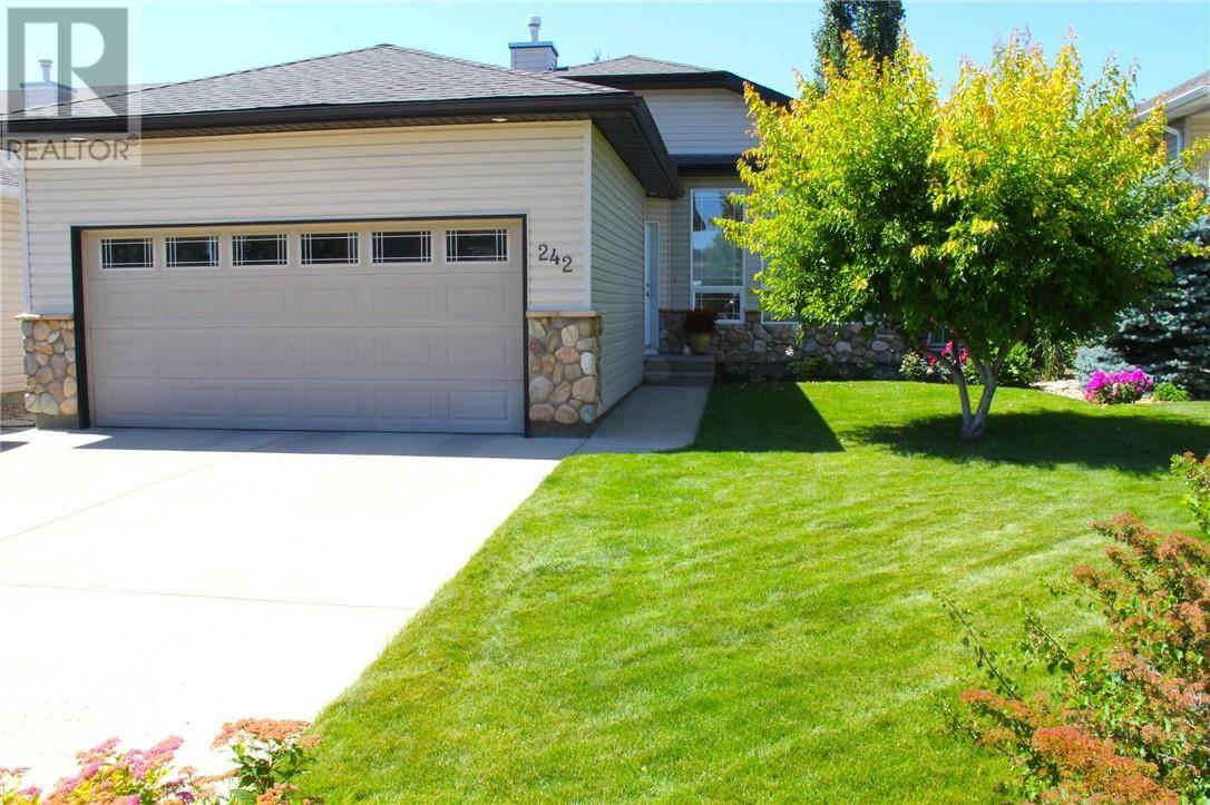 House for sale at 242 Fairmont Blvd S Lethbridge Alberta - MLS: ld0186422