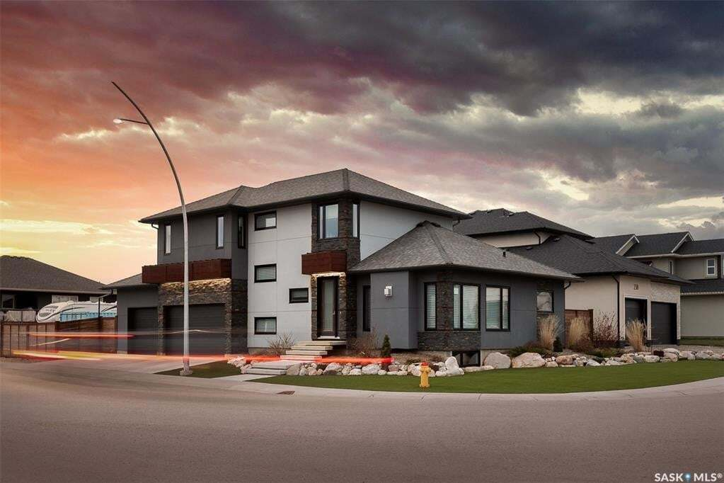 House for sale at 242 Mahabir Ct Saskatoon Saskatchewan - MLS: SK809321
