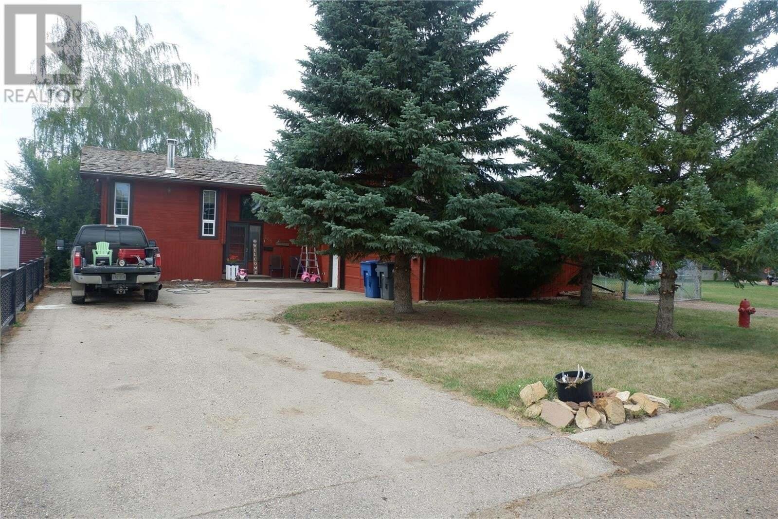 House for sale at 242 Westview Dr Coronach Saskatchewan - MLS: SK821755