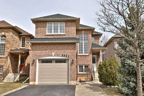 House for sale at 2421 Gladstone Ave Oakville Ontario - MLS: W4447151