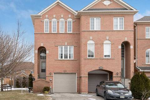 Townhouse for sale at 2423 Ravinebrook Cres Oakville Ontario - MLS: W4698315