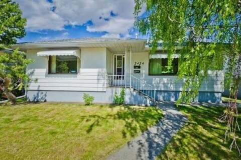 House for sale at 2424 22 St Northwest Calgary Alberta - MLS: C4300658