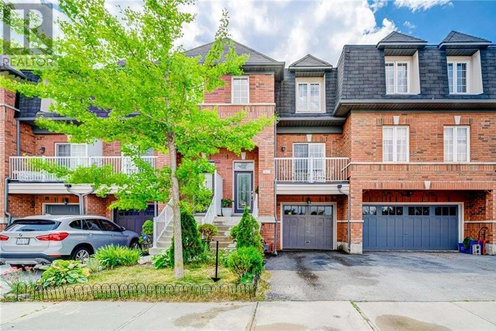 Townhouse for sale at 2424 Adamvale Cres Oakville Ontario - MLS: 30821096