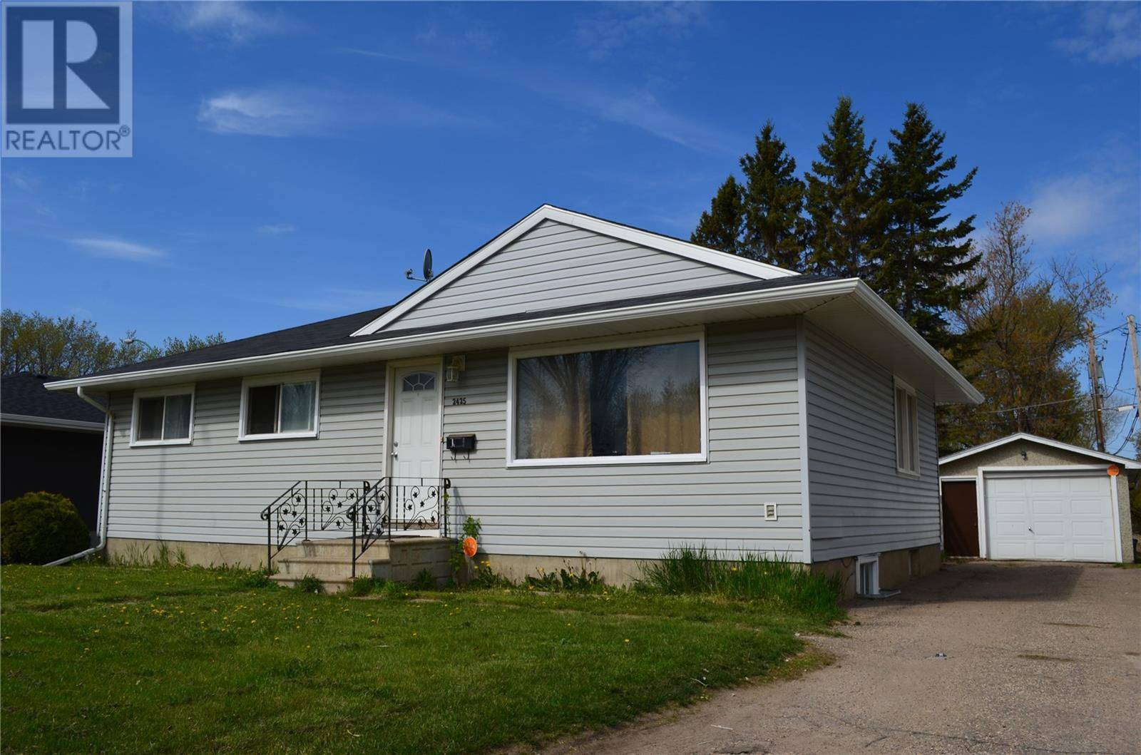 House for sale at 2425 2nd Ave W Prince Albert Saskatchewan - MLS: SK781957