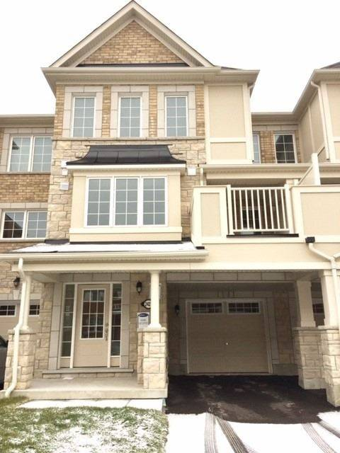Townhouse for rent at 2427 Fall Harvest Cres Pickering Ontario - MLS: E4669888