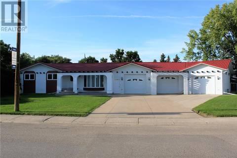 House for sale at 243 1st Ave E Gravelbourg Saskatchewan - MLS: SK771838