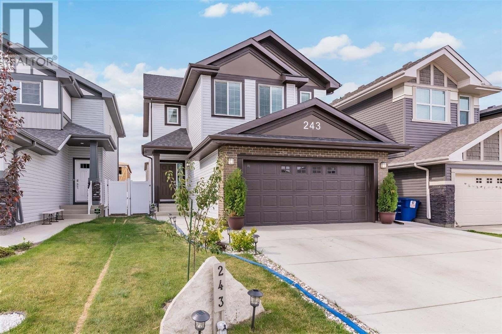 House for sale at 243 Dagnone Ln Saskatoon Saskatchewan - MLS: SK821592