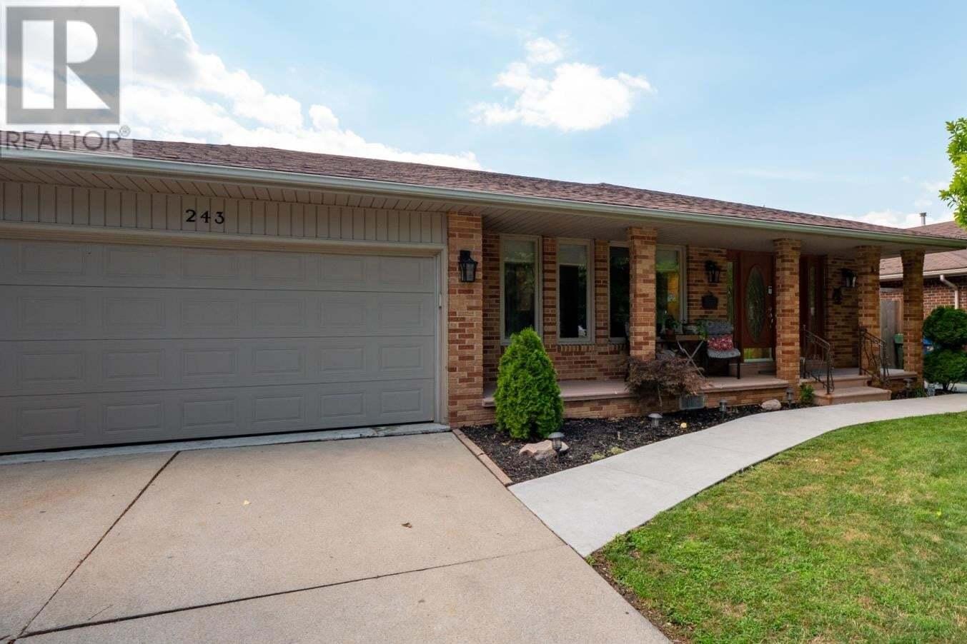 House for sale at 243 Woodridge Dr Tecumseh Ontario - MLS: 20009480