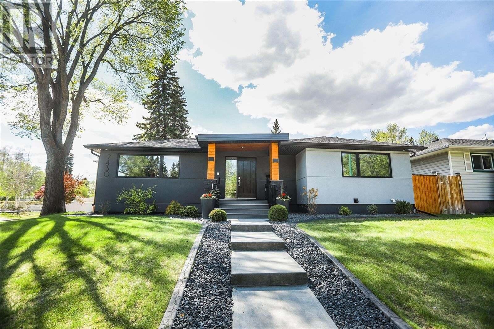 House for sale at 2430 Clarence Ave S Saskatoon Saskatchewan - MLS: SK809897