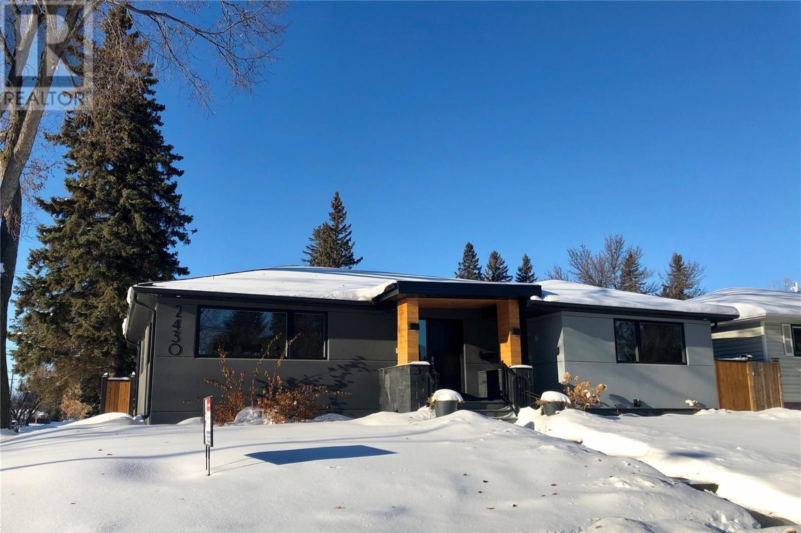 House for sale at 2430 Clarence Ave S Saskatoon Saskatchewan - MLS: SK828704