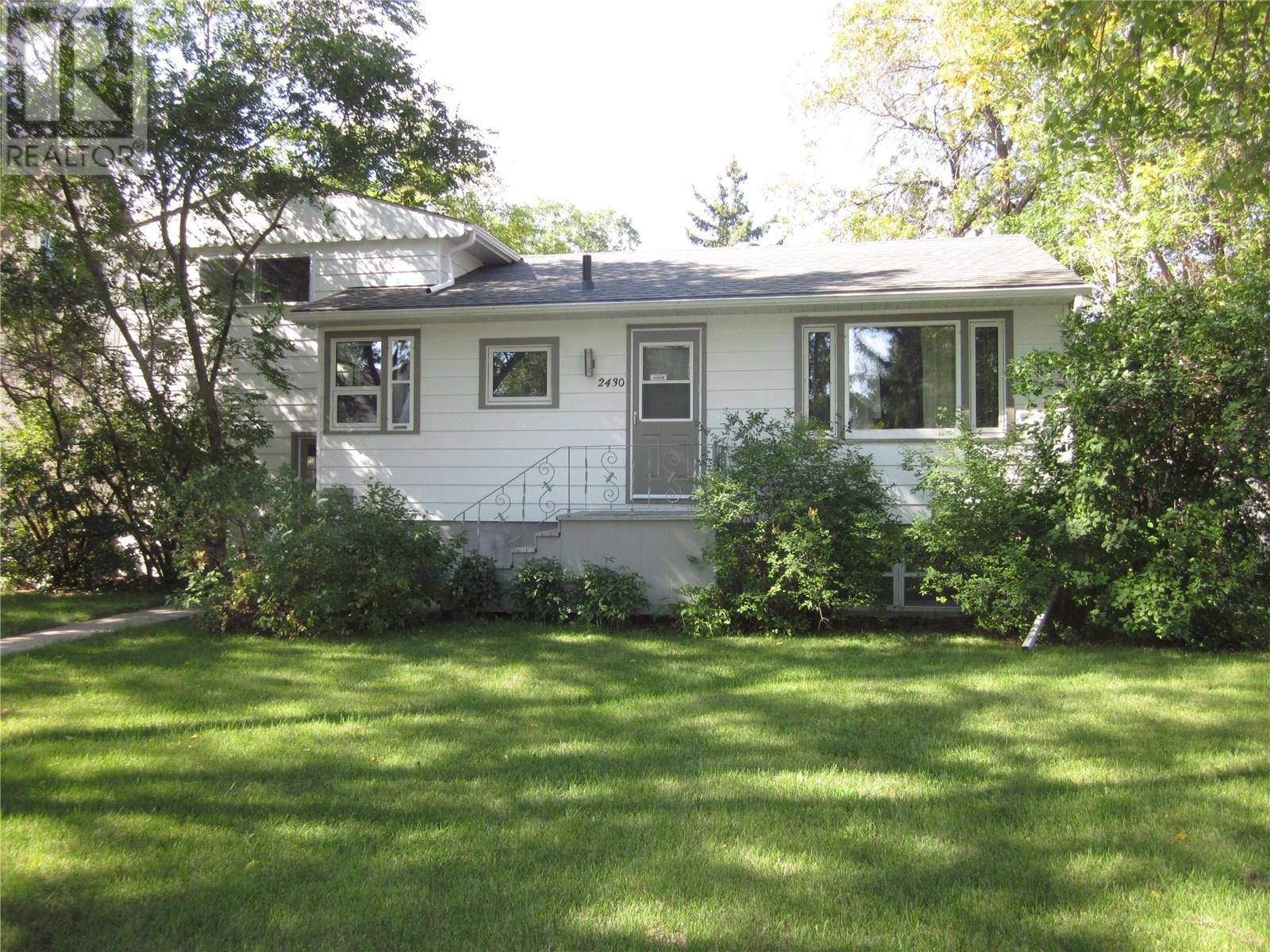 House for sale at 2430 Mackay St Regina Saskatchewan - MLS: SK770890