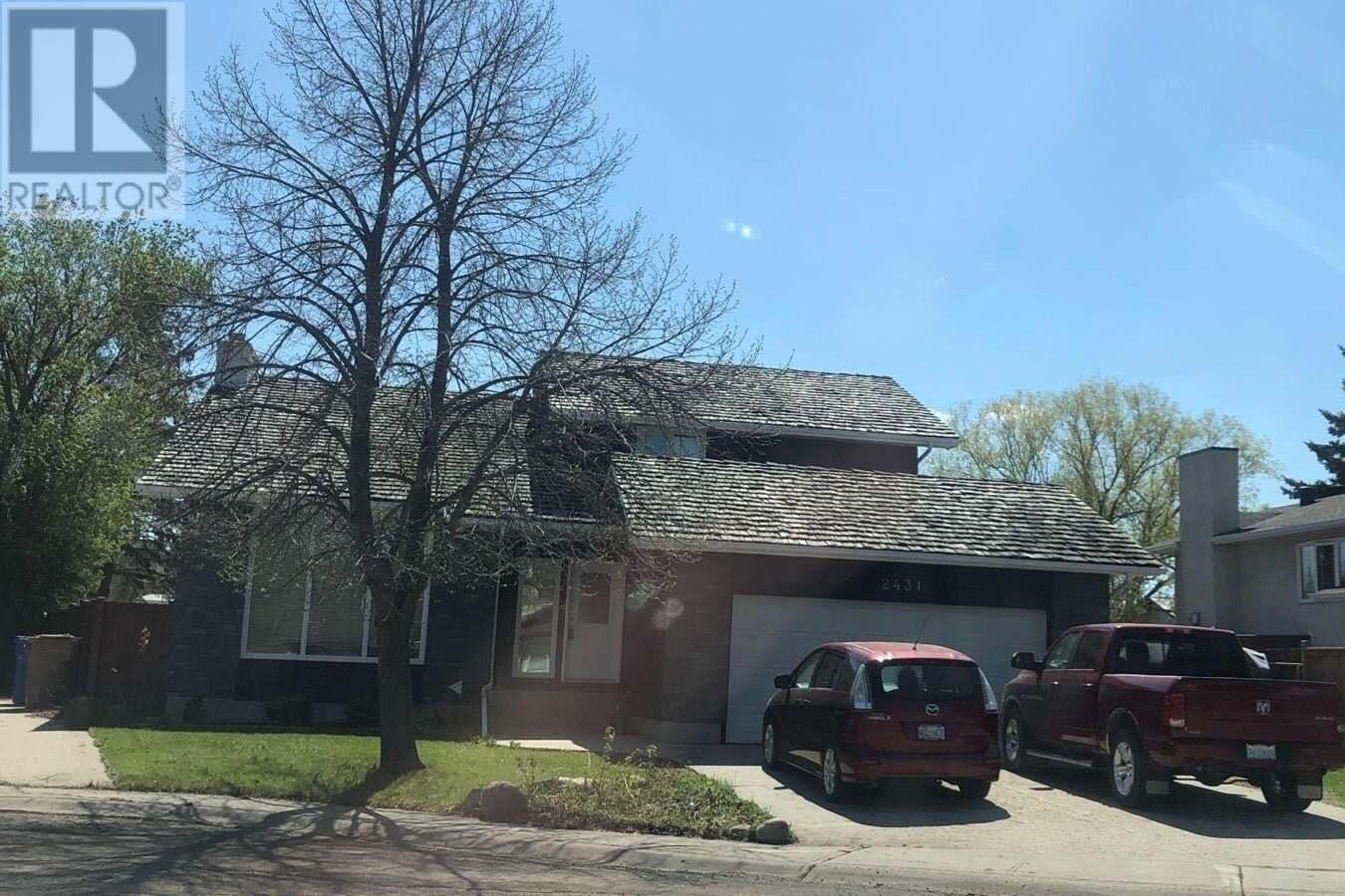 House for sale at 2431 Strathmore Pl E Regina Saskatchewan - MLS: SK809417