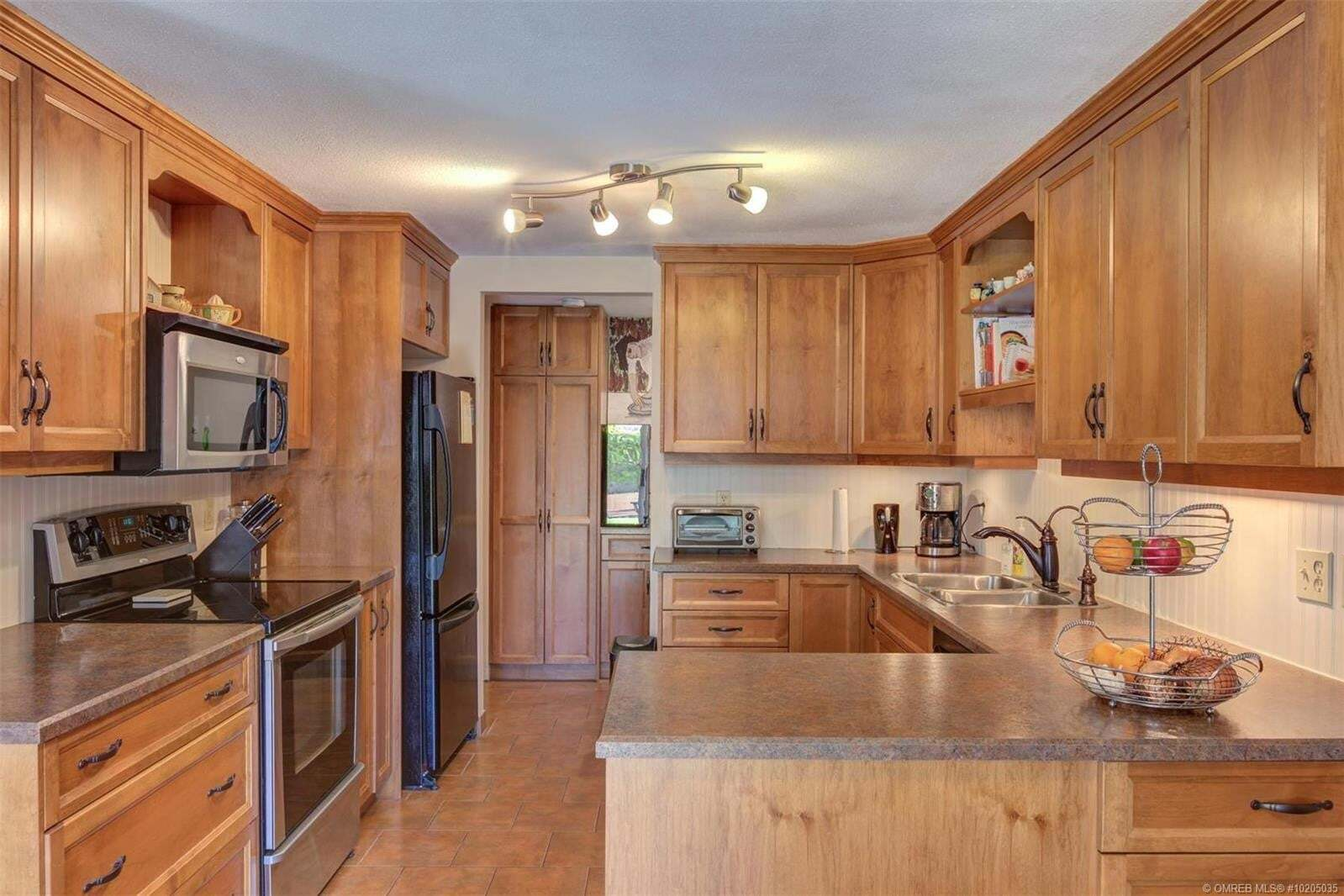 Townhouse for sale at 2433 Ingram Rd West Kelowna British Columbia - MLS: 10205035