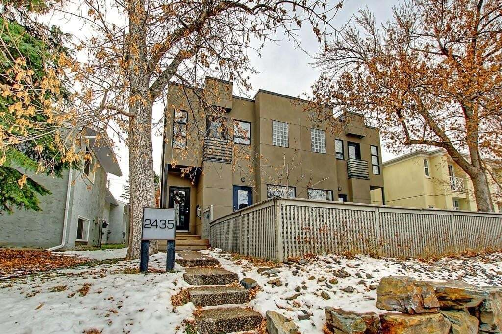 Townhouse for sale at 2435 29 St Southwest Calgary Alberta - MLS: C4275840