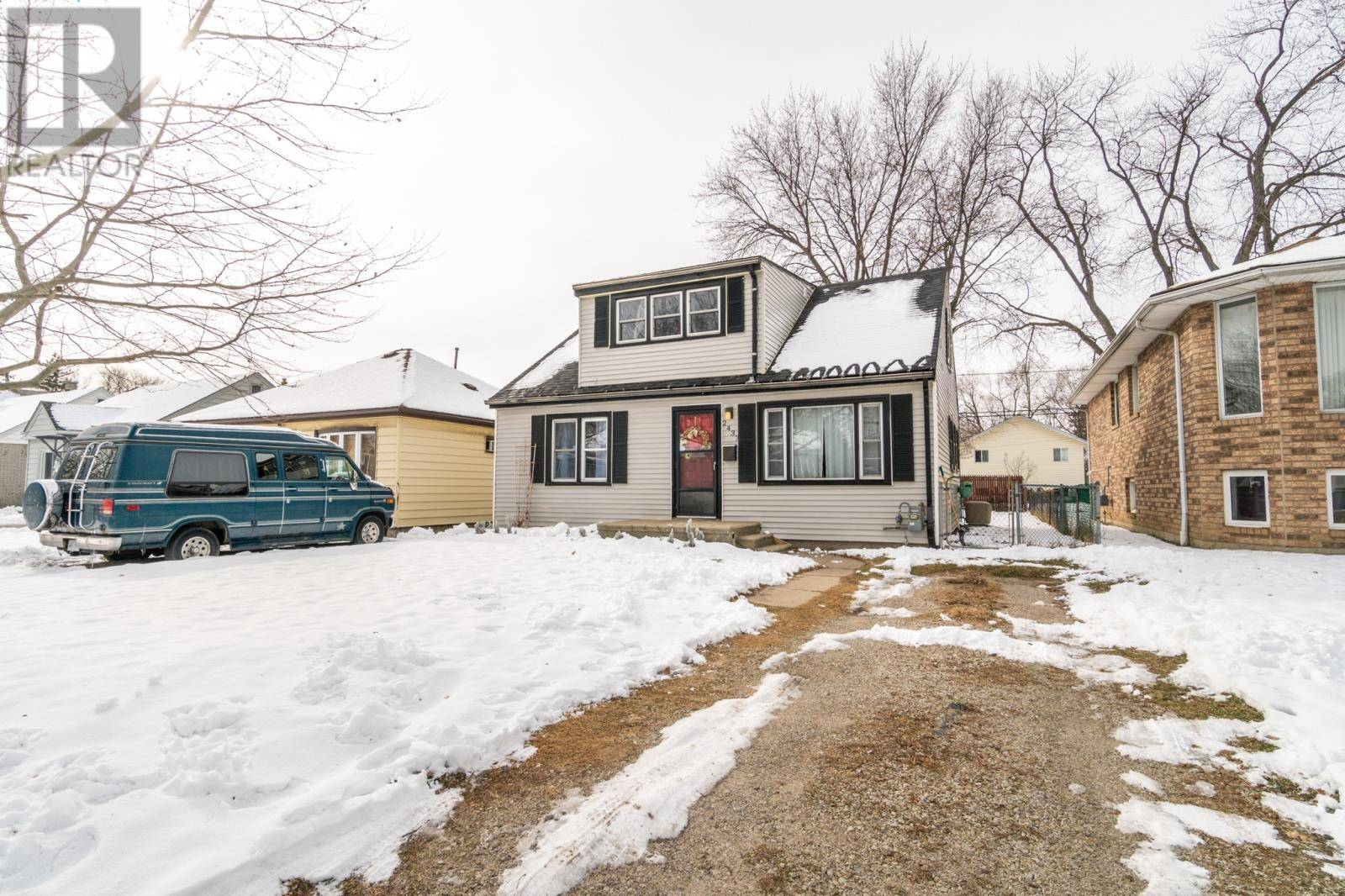 House for sale at 2437 Tourangeau Rd Windsor Ontario - MLS: 20000820