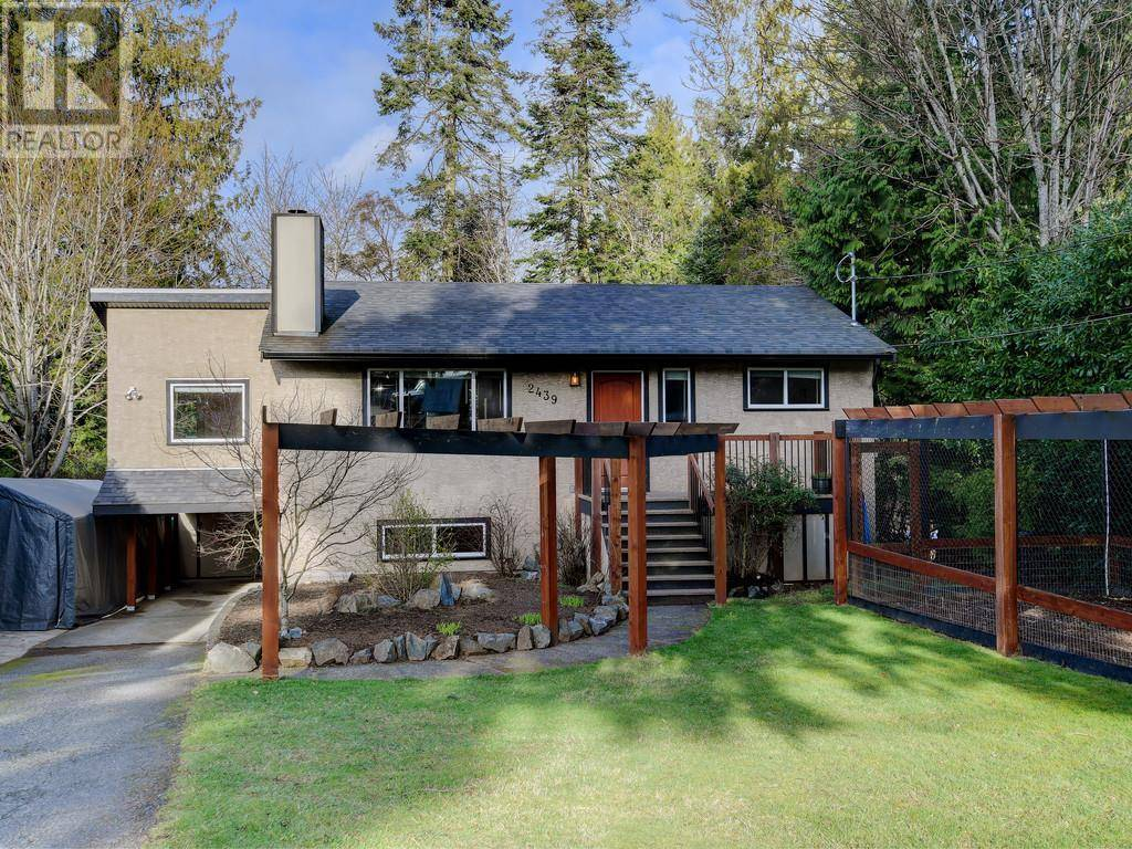 House for sale at 2439 Selwyn Rd Victoria British Columbia - MLS: 421061