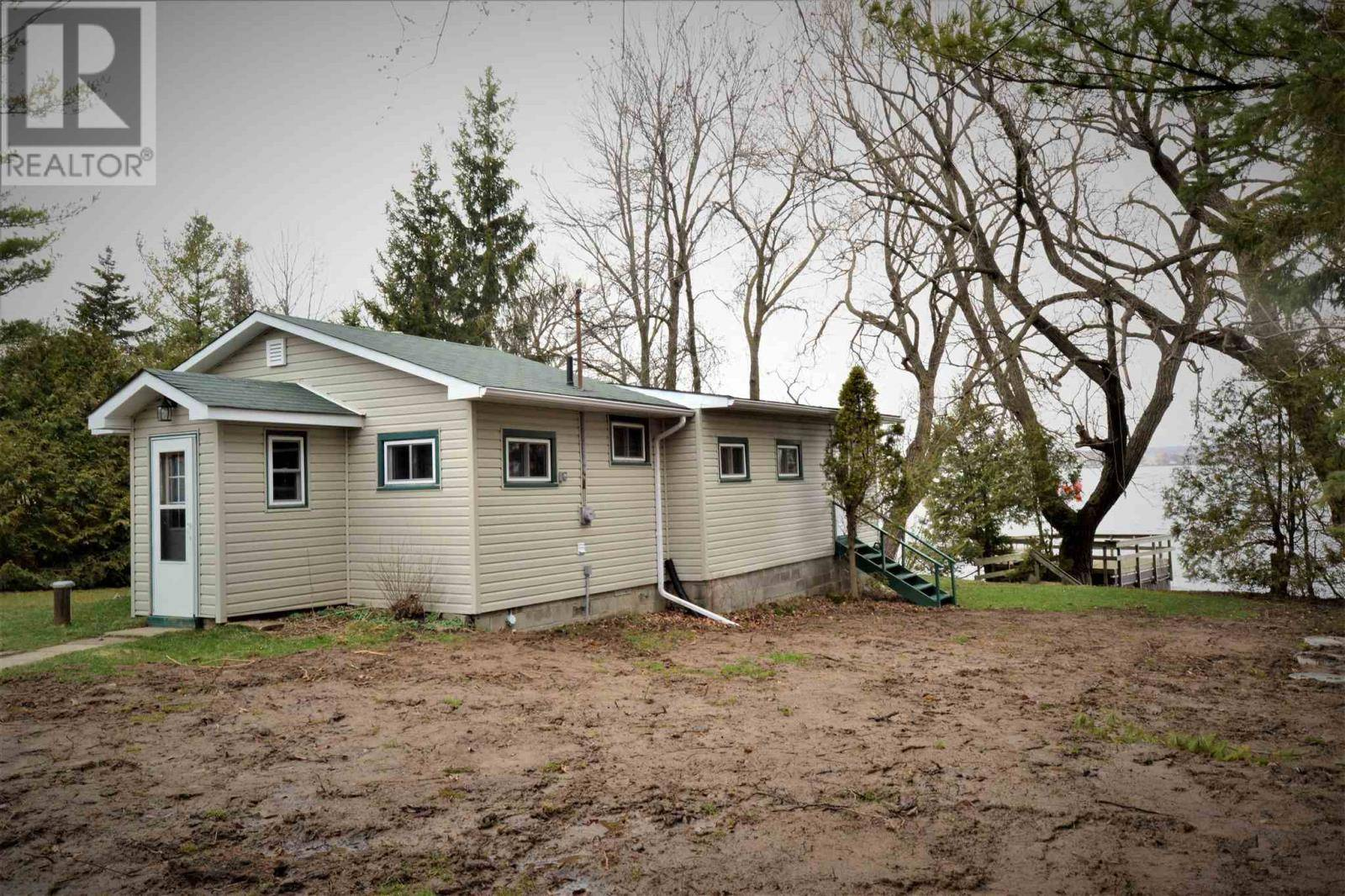 House for sale at 2439 South Shore Rd Greater Napanee Ontario - MLS: K20001939