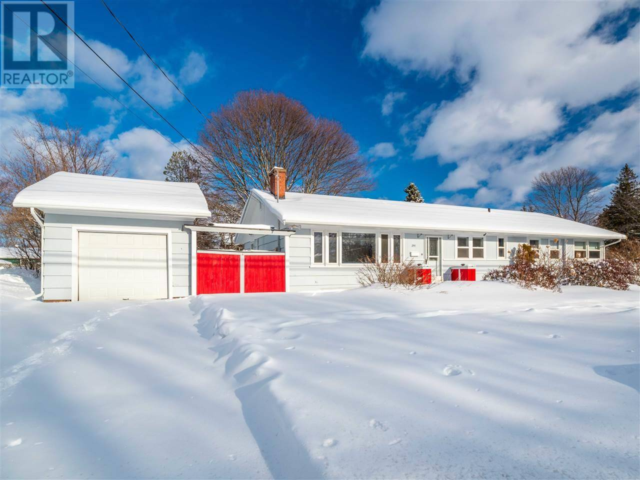 House for sale at 244 River Rd North Charlottetown Prince Edward Island - MLS: 202002687