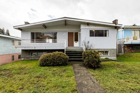 House for sale at 2442 10th Ave E Vancouver British Columbia - MLS: R2438445