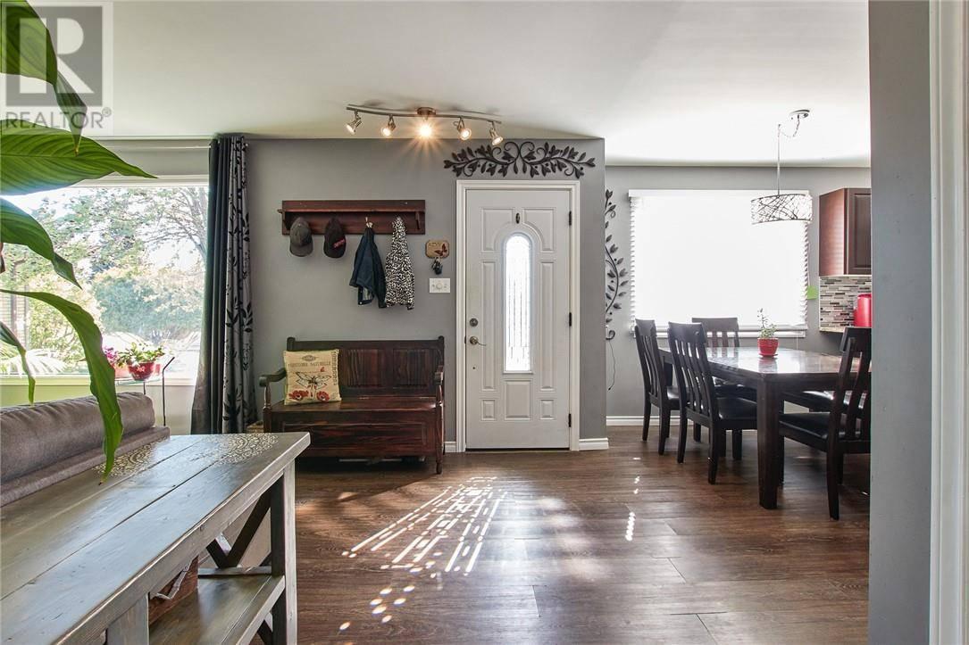 House for sale at 2442 Jackson Pl Se Medicine Hat Alberta - MLS: mh0189723