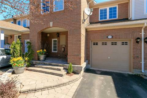 Townhouse for rent at 2443 Wooden Hill Circ Oakville Ontario - MLS: W4486007