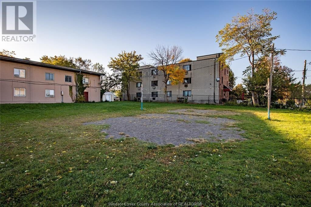 Townhouse for sale at 245 Detroit  Windsor Ontario - MLS: 20014417