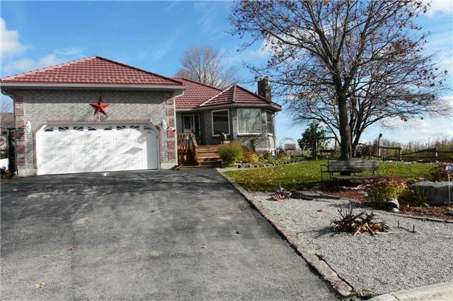 For Sale: 245 Russell Street, Southgate, ON | 3 Bed, 2 Bath House for $482,500. See 20 photos!
