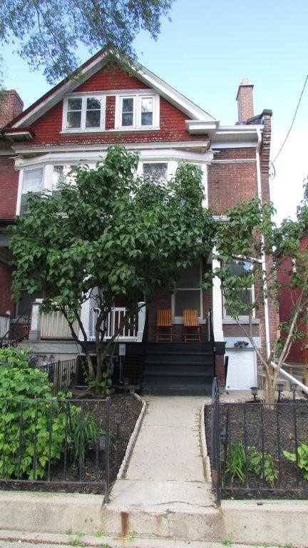 Townhouse for sale at 245 Shaw St Toronto Ontario - MLS: C4505846