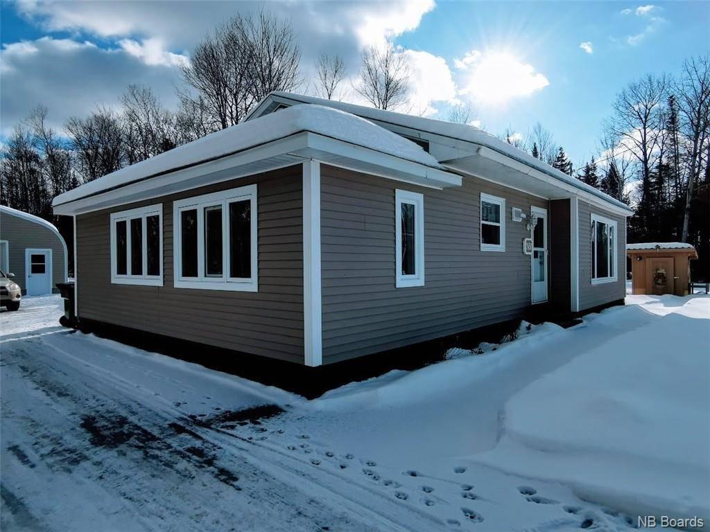 House for sale at 2450 Bridge St Bathurst New Brunswick - MLS: NB040533
