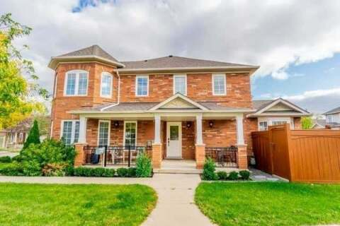 Townhouse for sale at 2450 Wooden Hill Circ Oakville Ontario - MLS: W4769072