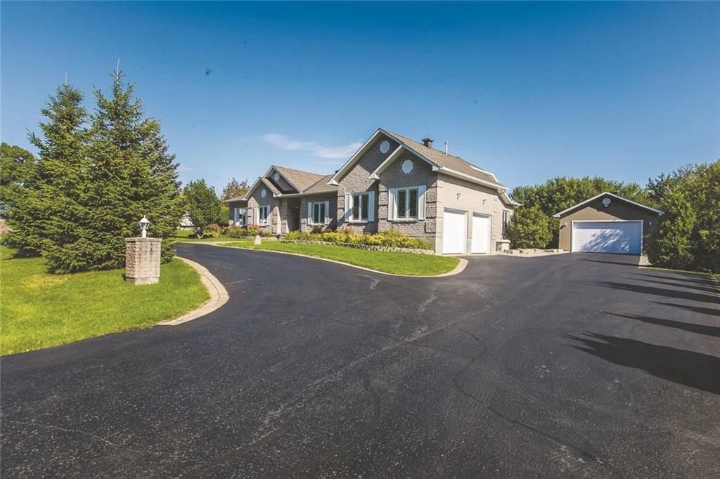 Removed: 2456 Brickland Drive, Ottawa, ON - Removed on 2019-11-27 08:18:16